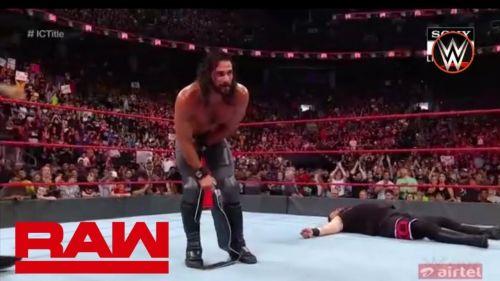 Seth Rollins retain the Intercontinental Championship
