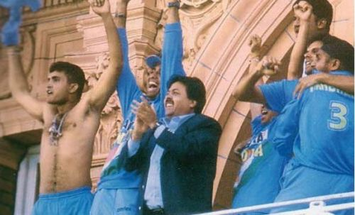 Sourav Ganguly with the famous bare act at the Lord's balcony in 2002 (Photo: AFP)