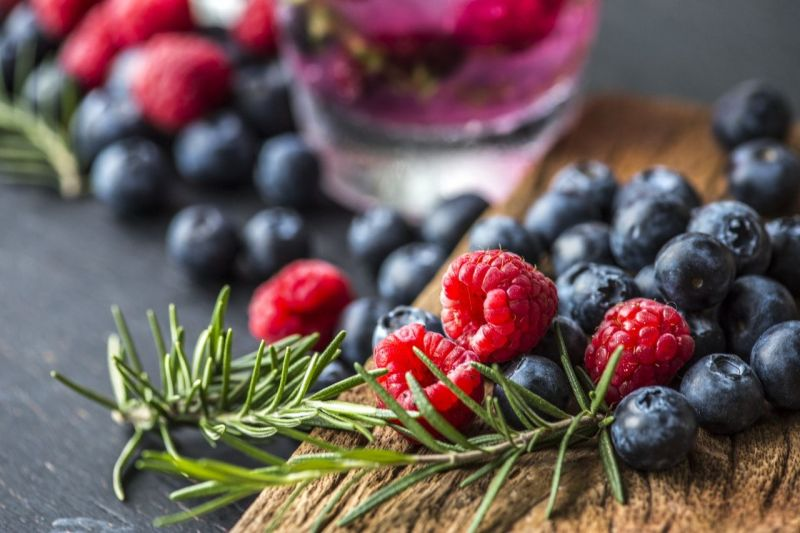 Berries are an excellent addition to the ketogenic diet