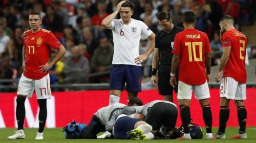 Luke Shaw suffers head injury vs Spain
