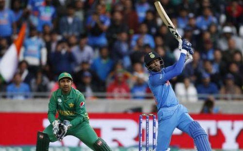 Hardik Pandya batting in Champions Trophy final
