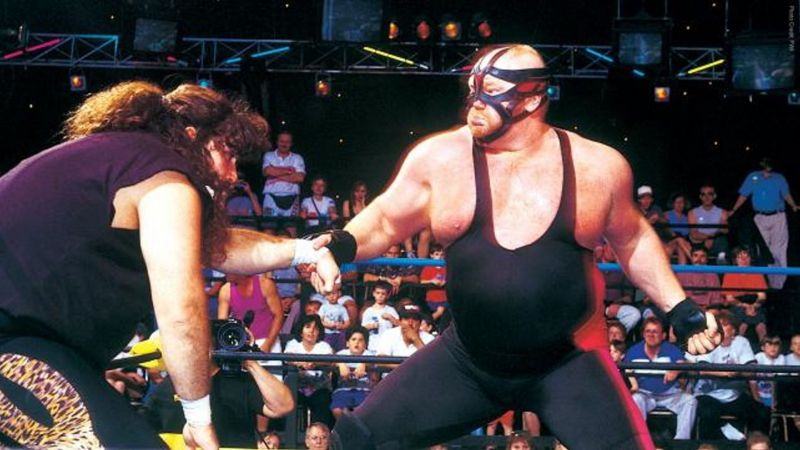 Two legends beating the hell out of each other. That is what 1993 brought us, with this match here and many others as well...