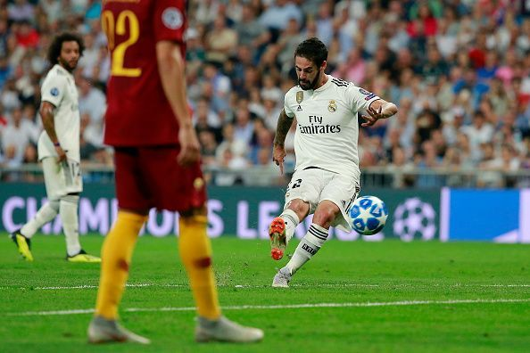 Real Madrid v AS Roma - UEFA Champions League Group G