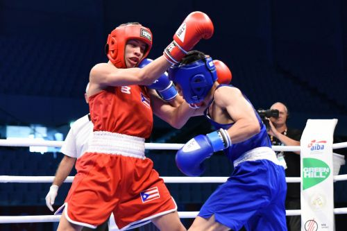 Thitisan Panmod of Thailand in blue won the Gold defeating Jan Paul Rivera of Puerto Rico (Image Courtesy: AIBA)