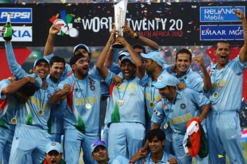 India Lifts the Inaugural T20 World Cup Trophy