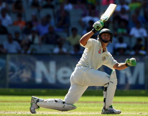 Adam Gilchrist was the first batsman to his 100 sixes in Test cricket