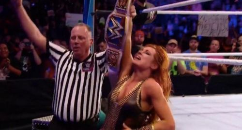 Becky Lynch retains her SmackDown Live Women's Championship after a hard fought victory over Charlotte Flair at