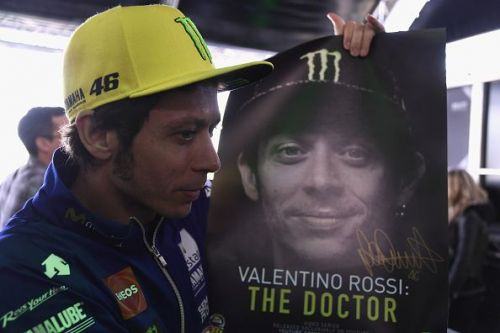Valentino Rossi posing at the MotoGP of France
