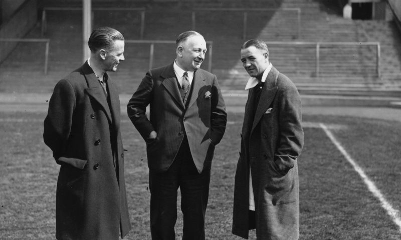 Herbert Chapman(M) introduced the WM formation