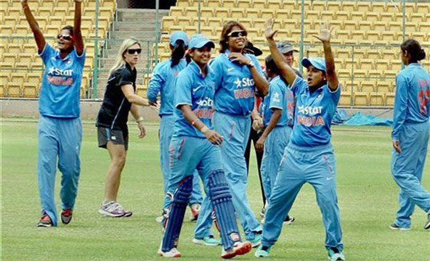 Veda congratulates Harmanpreet and Jhulan, who batted out a few overs to take India