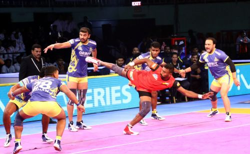 Kashiling Adake along with Pawan Kumar were the chief destroyers for the Bulls