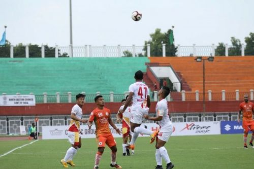 The East Bengal defence looked strong