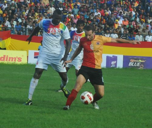Mahmoud Al Amna (right) of East Bengal in action during the Calcutta Football League (Image: Twitter/@eastbengalfc)