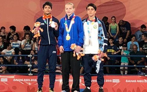 Simran won silver in wrestling