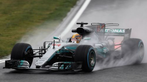 Lewis taking on the fickle weather at Suzuka (2017)