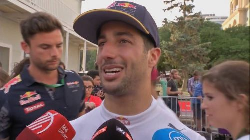 Ricciardo talking to media after his race ended