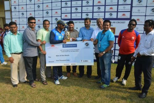 Man of the match trophy given by Sameer Anup - CSR Dept. L& T Technology Services to Chandana Despriya