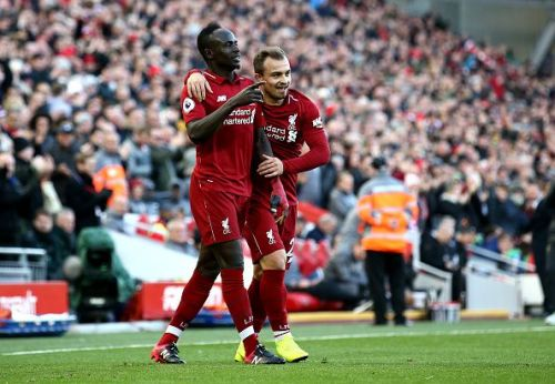Liverpool went to the top of the Premier League table with a 4-1 victory against Cardiff City