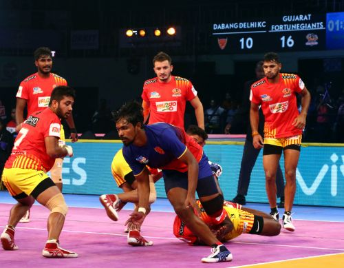 Chandran Ranjith [blue jersey] proved a handful for his former team tonight
