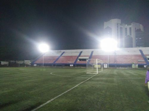 The floodlights installed at the Bangalore Football Stadium are not suitable for TV HD broadcast