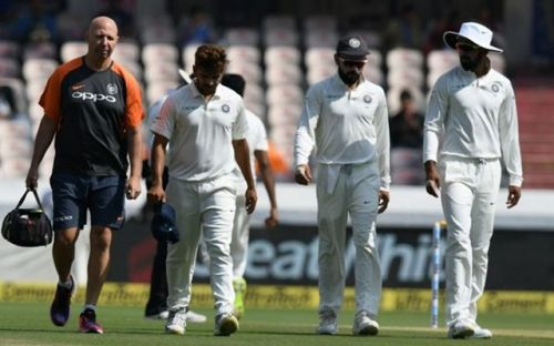 Shardul Thakur hobbled off the field with a groin injury