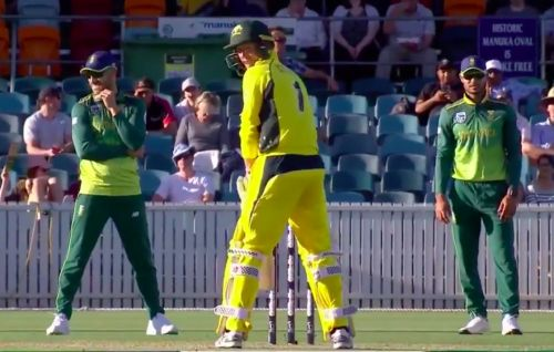 George Bailey's unusual batting stance vs South Africa