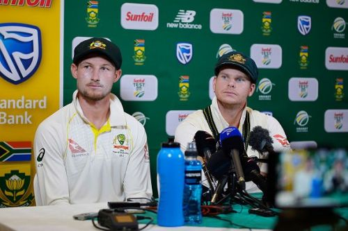 Smith and Bancroft at the 'sandpaper' press conference