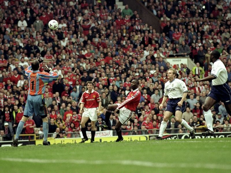 Andrew Cole with the winning goal against Spurs, May 1999