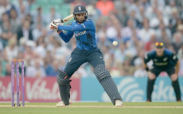 England scored 365 during a chase without any player getting a century