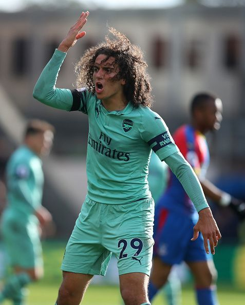 Matteo Guendouzi protesting a decision made by the referee during the game at Selhurstpar