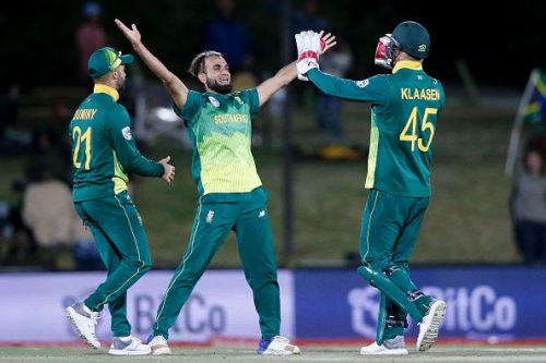 South Africa cantered to a 120-run win in the second one-day to clinch the ODI series.