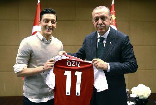 Mesut Özil with Turkish president, Recep Tayyip Erdogan