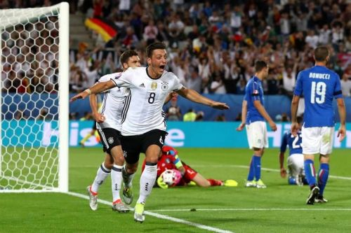 Ozil, who gave up his Turkish passport to play for the German national team, has faced scrutiny over his seeming lack of Turkish patriotism.