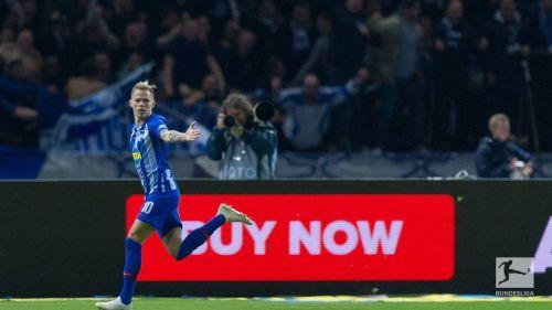 Duda reacts after scoring the winner against Bayern Munich. (Credit: Bundesliga)