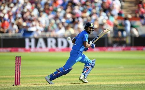 KL Rahul should be given a few games in the middle-order
