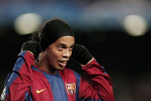 Ronaldinho playing for Barcelona