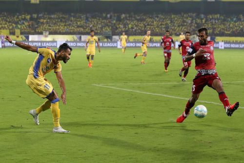 In the 2017-18 season, Prasanth made his ISL debut in the opening match against ATK (Image Courtesy: ISL)