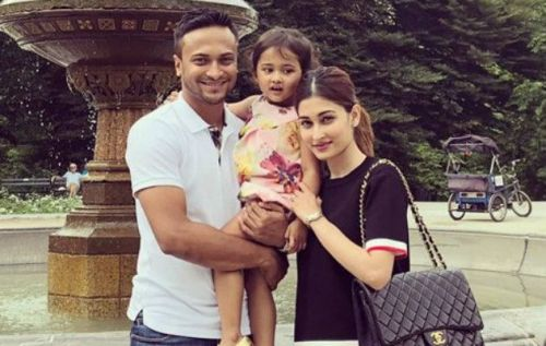 Shakib Al Hasan with his wife Ummey Ahmed Shishir and daughter during a holiday