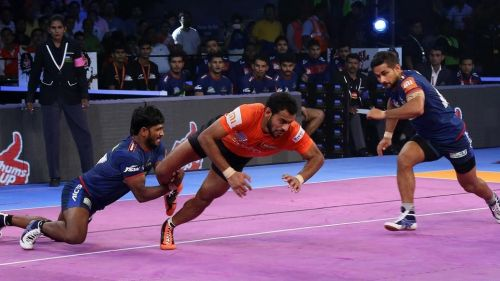 Abhishek Singh was the Super Raider of the match with 12 raid points.