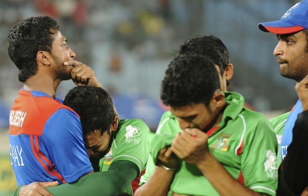 Shakib Al Hasan and Mushufiqur Rahim were upset after losing Asia Cup final by 2 runs against Pakistan in 2012