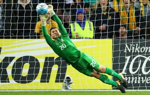 Thailand goalkeeper Sinthaweechai Hathairattanakool played his last game for the national team after 14 years of service.
