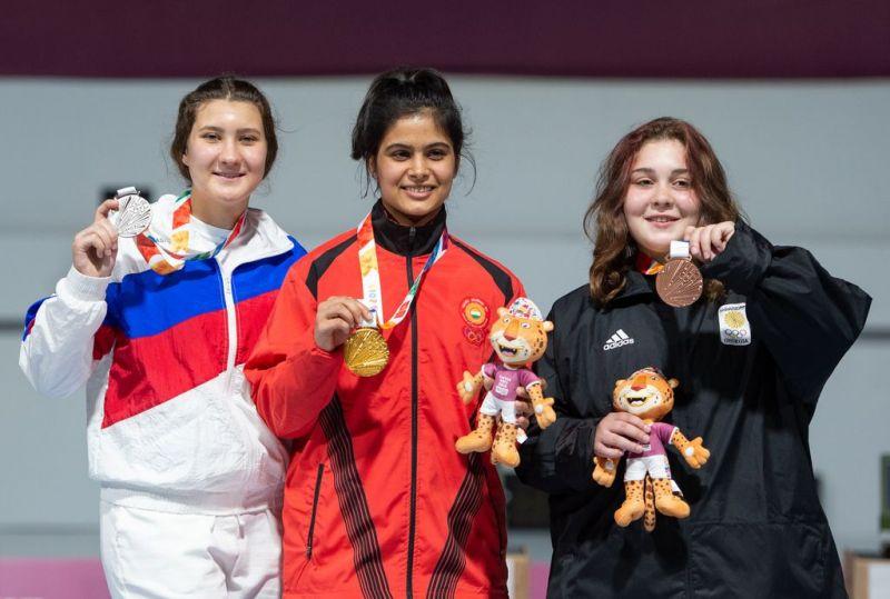 From left to Right: Silver medalist - Iana Enina of Russia, Gold medalist Manu Bhaker of India, Bronze medalist Nino Khutsiberidze of Georgia (Image Courtesy: IOC)