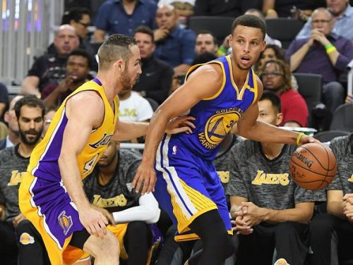 Curry struggled from the 3-point line