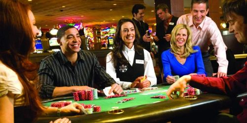 How to play poker in casinos