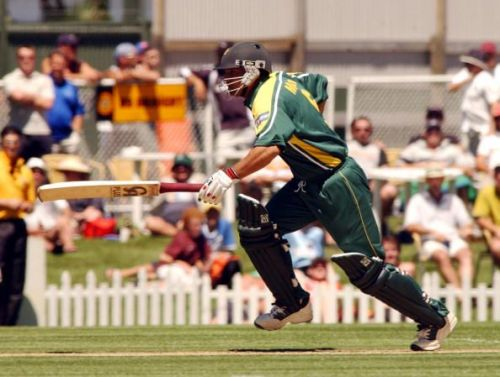 Pakistan's Moin Khan makes his ground against New