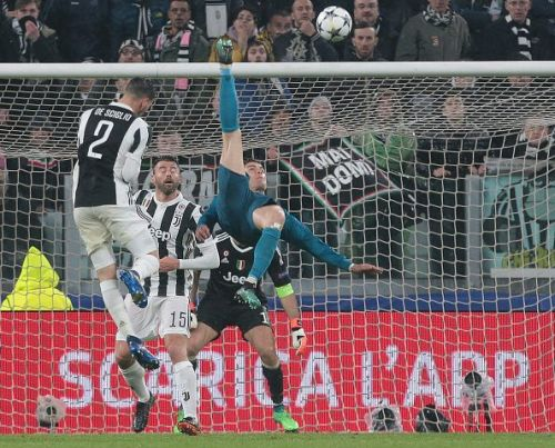 Ronaldo netting a bicycle goal in his Juventus v Real Madrid UCL game