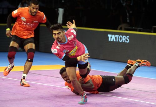 A crucial tackle on Nitin Rawal swung the game Mumbai's way in the end