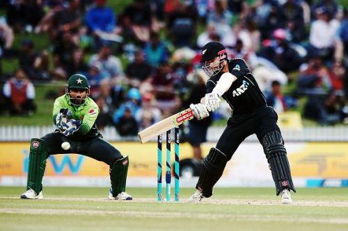 New Zealand v Pakistan - 4th ODI