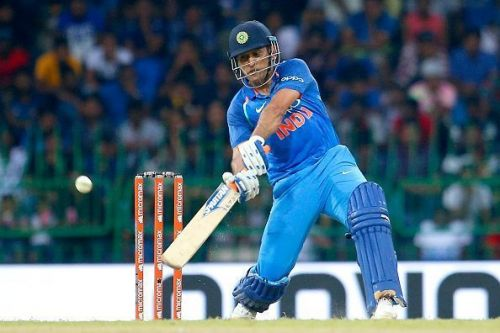 Dhoni can find his batting form if he solely concentrates on it