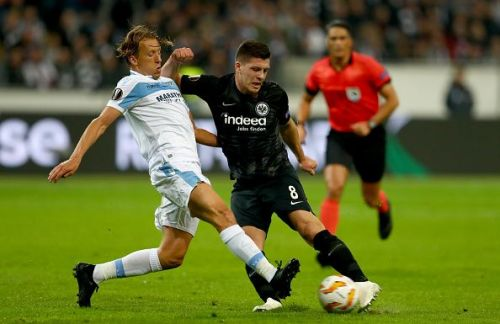 Luka Jovic (R) in action for Eintracht Frankfurt in the UEFA Europa League